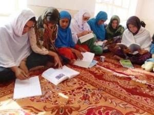 2011 Frauen und Mädchen im Alphabetisierungskurs