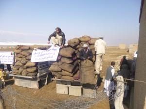 Winterhilfe 2012/2013, Aliceghan Barikab, Verteilung von Brennholz