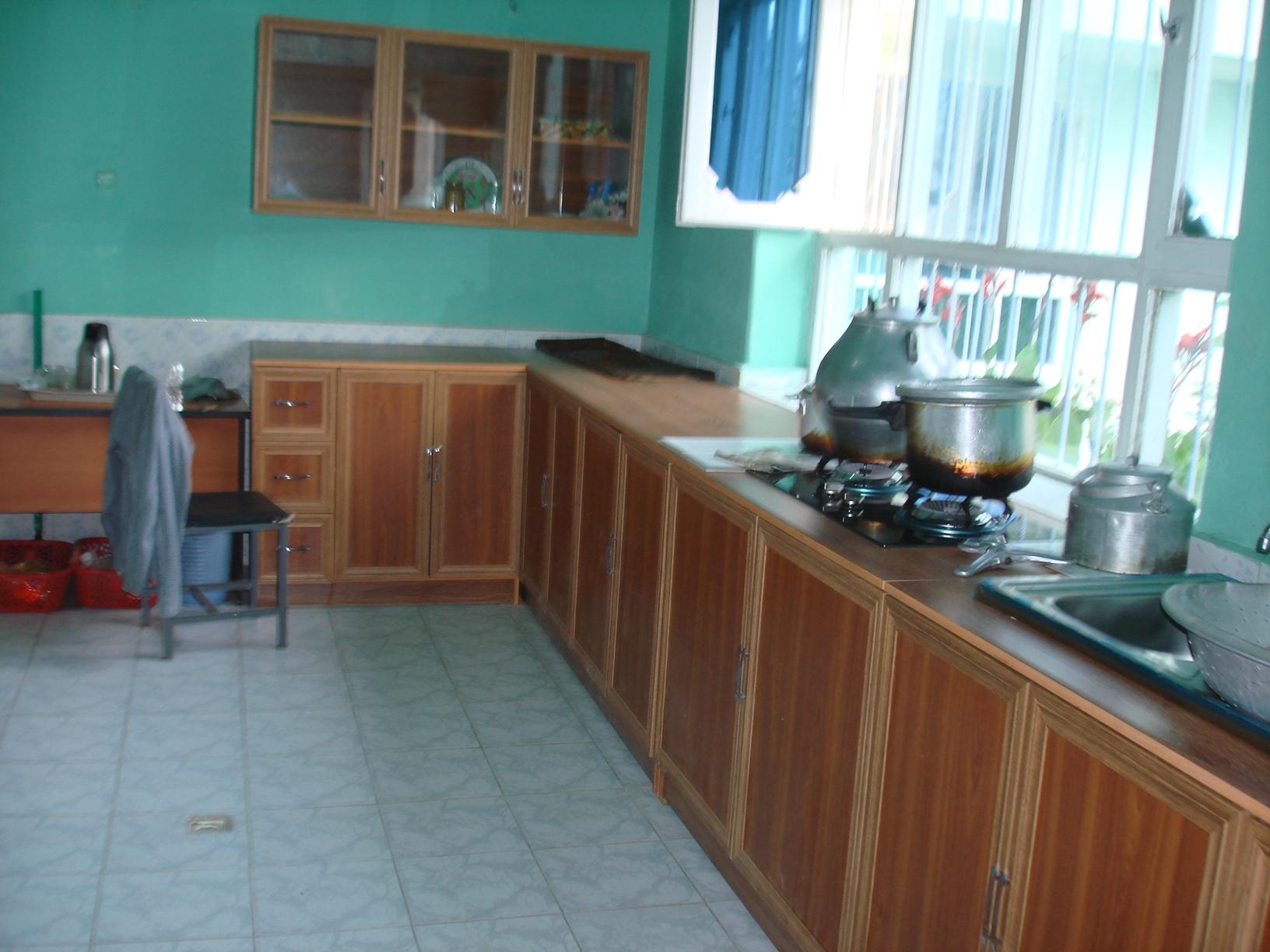 2013 Kinderheim Charikar: neue Küche