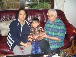 Masood zu Besuch bei Familie Ayas.