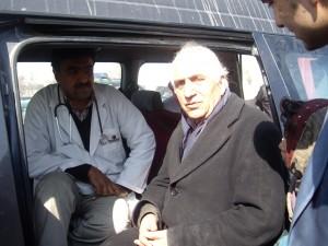 2007 Medizinische Hilfe im Zeltlager Charahi Qambar