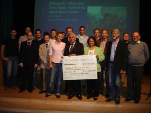 2007 Übergabe einer Spende der Berufsschule aus Köln-Kalk