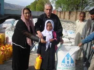 2009 Es werden auch kleine Hilfsmittel, wie z. B. eine Zahnbürste verteilt