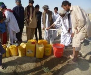 2010 Barikab, sauberes Wasser von der Zapfstelle