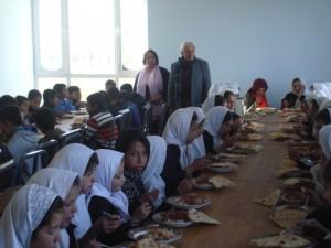 2011 Charikar, gemeinsames Essen