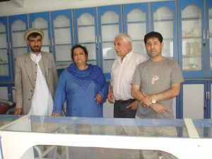 2014 Besuch der Klinikbaustelle in Aliceghan / Barikau - Blick in die Klinikapotheke